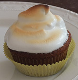 Zitronen-Cupcakes mit Baiserhaube